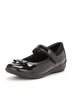 clarks-younger-girls-gloforms-ting-fever-patent-school-shoes