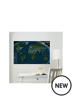 wallpops-glow-in-the-dark-world-map