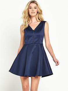 guess-agafia-skater-dress