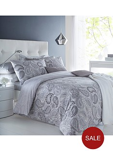paisley-duvet-cover-set-in-black-and-white