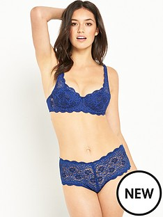 triumph-amourette-padded-underwired-bra