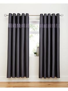 3d-ruffle-border-curtains