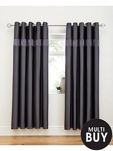 3d-ruffle-border-curtains
