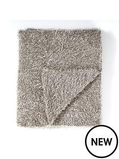 embroidered-mini-leaf-throw