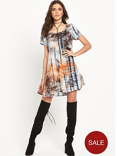glamorous-printed-short-sleeve-swing-dress