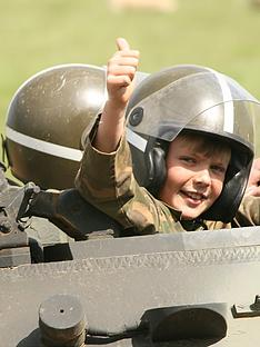 virgin-experience-days-dads-and-lads-tank-driving-experience