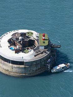 virgin-experience-days-ultimate-luxurious-one-night-stay-for-two-at-spitbank-fort-in-the-solent-hampshire-portsmouth