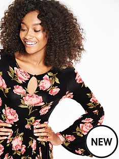 v-by-very-printed-bell-sleeve-midi-dress
