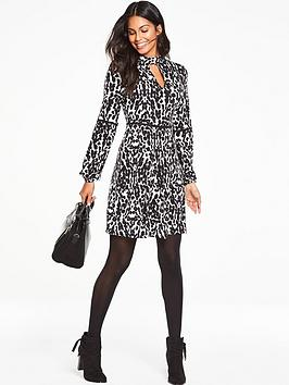 V By Very Petite Trim Detail Tea Dress  Animal Print