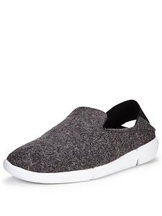 clarks-tri-chill-slipper