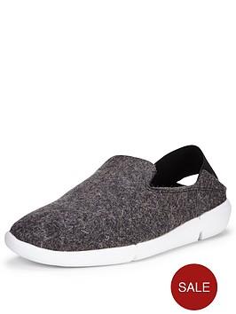 clarks-tri-chill-slipper