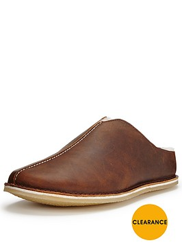 clarks-kite-stitch-leather-slipper