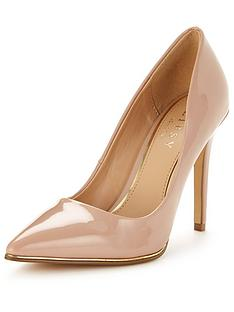 lipsy-pointed-patent-court