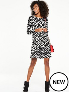 v-by-very-long-sleeve-swing-dress-mono-print