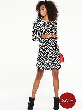 v-by-very-long-sleeve-swing-dress-mono-print