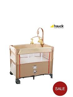 hauck-dream-n-care-travel-cot-giraffe