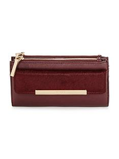 dune-texture-detail-purse