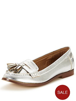 wallis-boyfriend-tassel-loafer