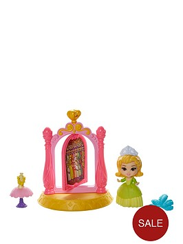 sofia-the-first-3-inch-mini-playsetnbspwardrobe-with-amber