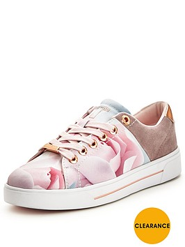 ted-baker-jockei-floral-trainer
