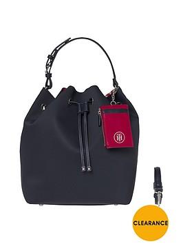 tommy-hilfiger-duffel-bag