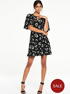 v-by-very-floral-printed-tea-dress
