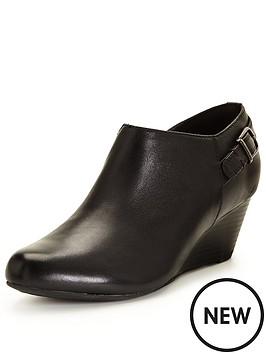 clarks-brielle-hip-wedge-shoe-boot