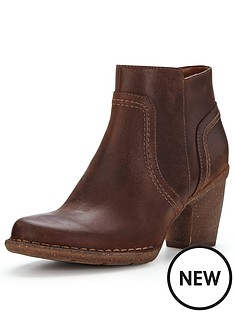 clarks-carleta-paris-ankle-boot-brown