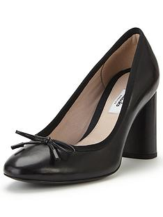 clarks-idamarie-faye-bow-court-shoe