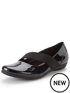 clarks-clarks-discovery-ritz-flat-shoe