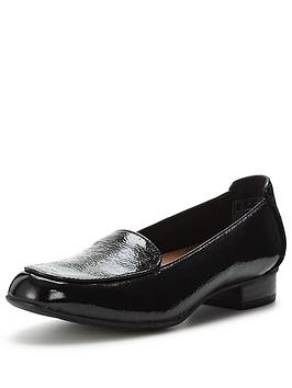 clarks-keesha-luca-loafer-shoe