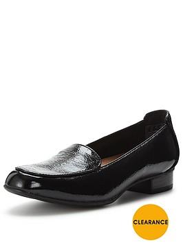 clarks-keesha-luca-loafer-shoe