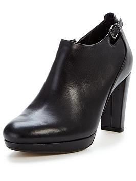 clarks-kendra-spice-heeled-shoe-boot