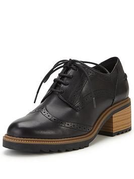 clarks-balmer-bella-low-heel-brogue