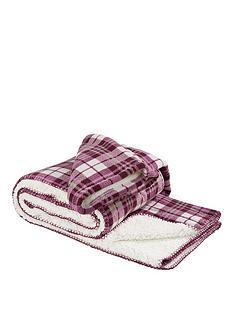 love-home-sleeved-blanket