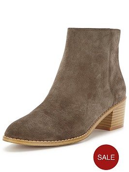 clarks-breccan-myth-ankle-boot