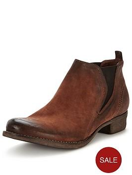 clarks-colindale-oak-ankle-boot