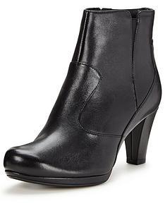 clarks-chorus-zen-ankle-boot