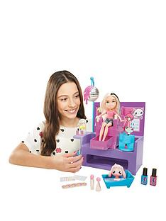 bratz-nail-salon