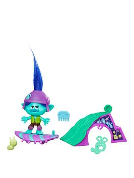 dreamworks-trolls-small-trolls-town-story-pack-branch