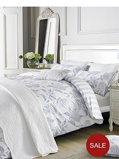holly-willoughby-rene-housewife-pillowcase-pair