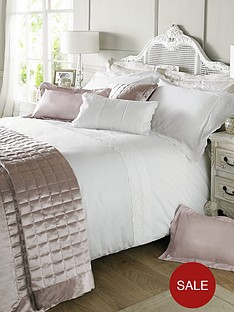 holly-willoughby-quilted-squares-feather-filled-cushion