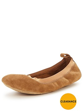 ugg-mitra-travel-slipper