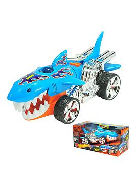 hot-wheels-extreme-action-sharkruiser