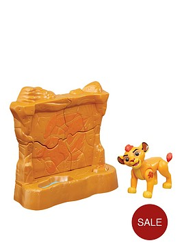 disney-the-lion-guard-lion-guard-figure-with-accessory-kion-topping-wall