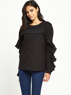 warehouse-frill-sweat