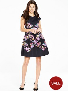 ted-baker-lost-gardens-diamond-skater