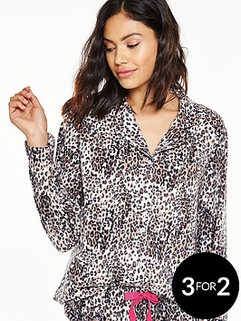 v-by-very-fleece-pyjama-set-in-gift-wrap