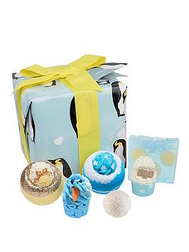 bomb-cosmetics-penguin-party-gift-set