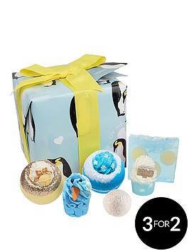 bomb-cosmetics-penguin-party-gift-set